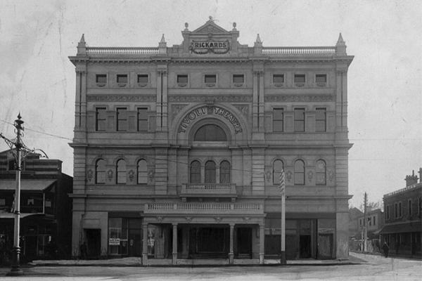 Her_Majesty_Theatre_Adelaide_Tivoli_1913-2